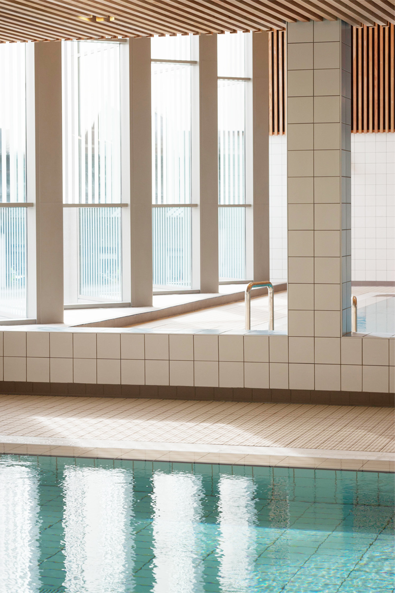 Victoria-Leisure-Centre-pool-and-tiles